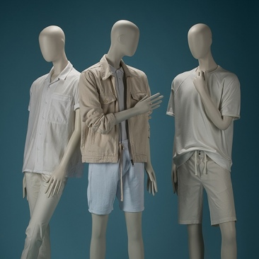 IN TOUCH Male mannequins